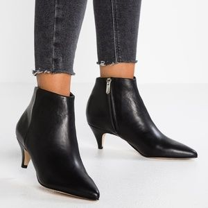 SAM EDELMAN Kinzey Black Leather Bootie Boots NEW